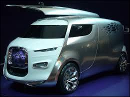 Nous commençons par ce concept car Citroën présenté en 2011 au Salon de l'automobile de Francfort. Il porte le nom de ...