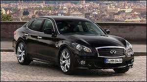 Infiniti a commercialisée cette voiture en 2010 sous le nom de M. En 2014, elle change de nom pour s'appeler...