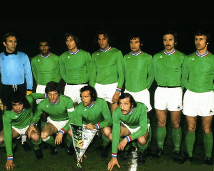 Le 12 mai, l'A.S. Saint-Etienne échoue en finale de la Coupe des clubs champions européens. Quel était l'autre club finaliste.