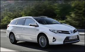 La version break d la Toyota Auris porte le nom ...