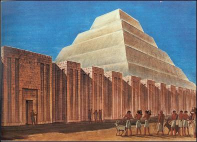 Pour quel pharaon la première pyramide d'Égypte était-elle destinée ?
