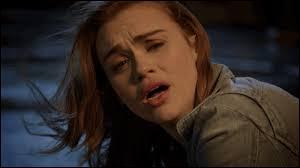 Laquelle de ces descriptions correspond à celle que Stiles a faite de Lydia ?