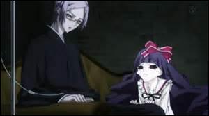 Vers les derniers épisodes, dans quoi Seishin transporte-t-il Sunako ?