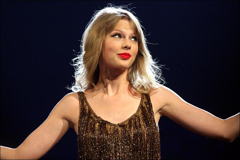 Les différents personnages que Taylor incarne dans ce clip font référence à Beyoncé, Lady Gaga et autres. Vrai ou faux ?