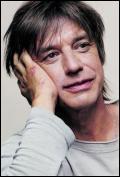 C'est un chanteur, ancien membre du groupe Téléphone.