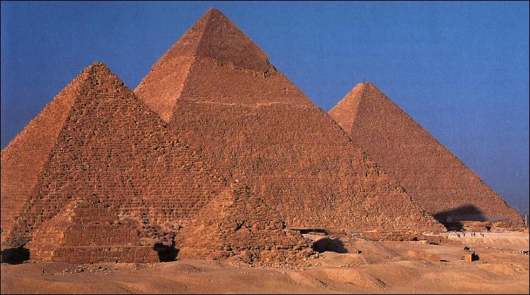 Du haut de ces pyramides, trois propositions vous contemplent !