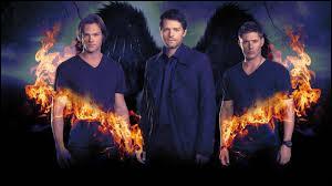 Qui rencontre Dean dans la saison 4 ?