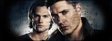 Becky Rosen : la fan des livres Supernatural. Quand elle est envoyée par Ed pour citer un message à Dean et Sam, que découvre-t-elle ?