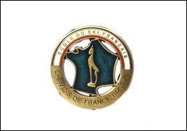 Quelle est cette médaille attribuée par l'E.S.F, récompensant une épreuve chronométrée de slalom spécial aux skieurs ne dépassant pas 17 % du temps de l'ouvreur ?