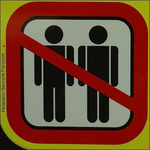 Depuis quand l'homosexualité n'est plus considérée comme un délit en France ?