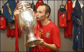Grâce à quel joueur l'Espagne a-t-elle remporté sa première Coupe du monde ?