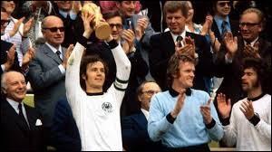 Quel pays a remporté la Coupe du monde de 1974 ?