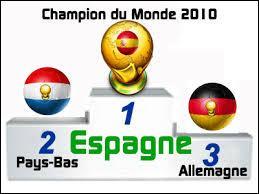 Qui remporte pour la première fois la Coupe du monde de 2010 ?