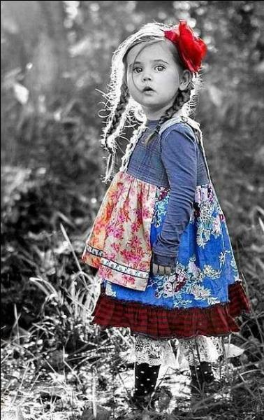 """""""On a tous dans l'coeur une petite fille oubliée"""" : Comment était habillée cette petite fille dans les souvenirs de Laurent Voulzy ?"""