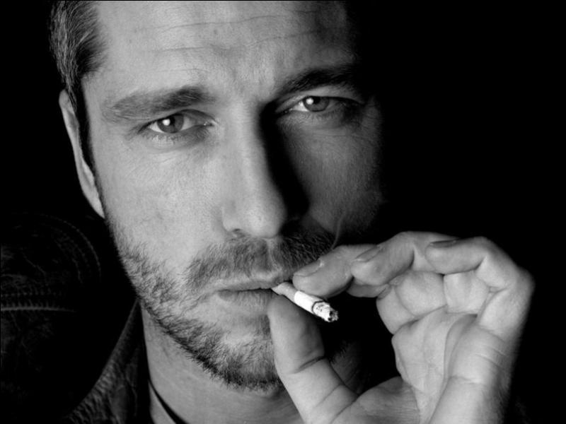 """Qui chantait """"Rue déserte, dernière cigarette, plus rien ne bouge ..."""" ?"""