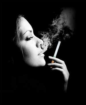 """Qui chantait """"L'amour c'est comme une cigarette, ça brûle et ça monte à la tête"""" ?"""