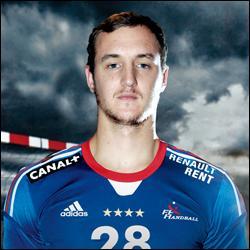 Voilà la nouvelle pépite de cette équipe de France en la personne de Valentin Porte, jeune joueur de 24 ans. Quelle(s) compétition(s) avait-il déjà remporté avec cette équipe de France ?