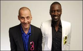 """Omar Sy et Fred Testot, alias Omar et Fred, ont atteint une grande popularité médiatique grâce à leur séquence humoristique diffusée dans """"Le Grand Journal"""" sur Canal+. Il s'agit du fameux :"""