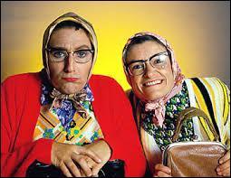 Les Vamps est un duo comique formé de Nicole Avezard et Dominique de Lacoste. Ces deux personnages de commères qu'elles interprètent se nomment :