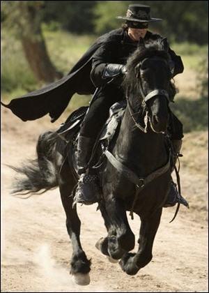 Le cheval de Zorro se nomme :