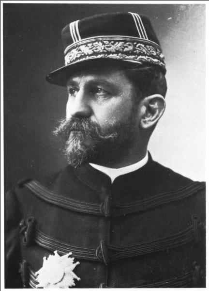 En 1889, le scandale de la question précédente aura pour effet de mettre en avant un militaire. Il s'agit du