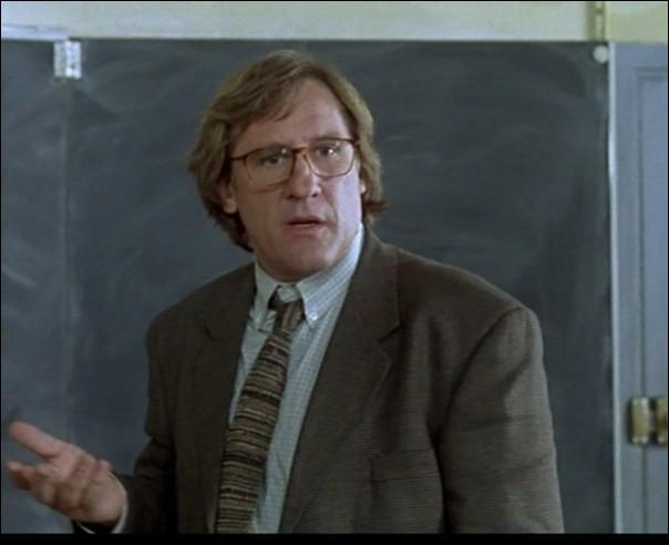"""Qui joue le rôle du principal du collège où est affecté Gérard Depardieu dans le film """"Le plus beau métier du monde"""" ?"""