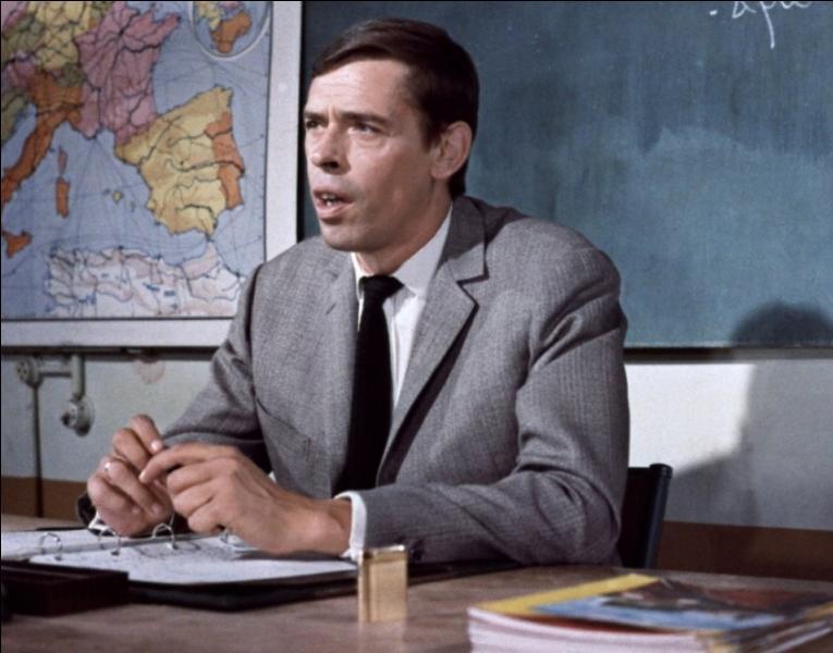 Dans ce film, Jacques Brel interpète un instituteur accusé injustement de pédophilie ?