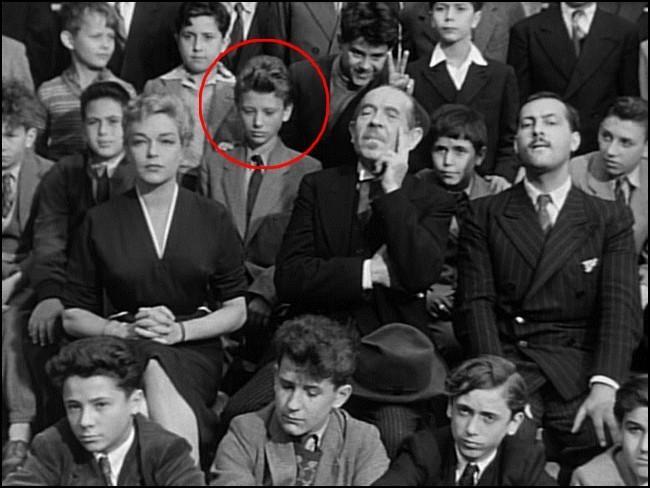 """Outre Johnny Hallyday, quel grand comédien faisait ses débuts en 1954 sous les traits d'un enseignant, dans le film de Clouzot : """" Les Diaboliques """" ?"""