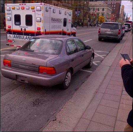 Combien de points un conducteur circulant dans un véhicule dépourvu de plaques d'immatriculation risque t-il de perdre ?