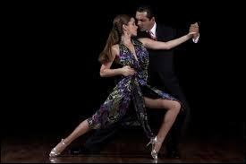 Un pays : Evita, Carlos Gardell !