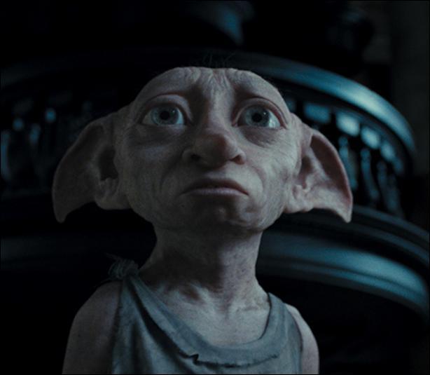 Qu'ose faire Dobby dans le 4, qui est insensé pour les autres elfes ?