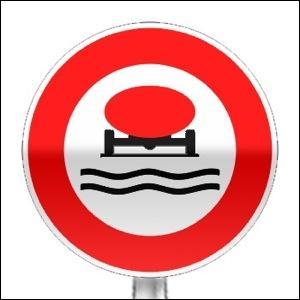 Cet arrêté du 1er juin 2001 relatif au transport des marchandises dangereuses par route interdit ------------.