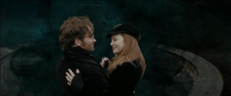 James et Lily se mettent ensemble pendant leur