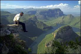 Voici le parc national Kruger où vous pourrez photographier à la fois des animaux sauvages et des paysages spectaculaires. Bienvenue :