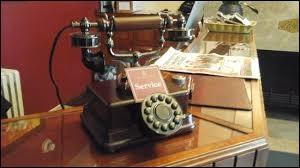 Quelle fut la première ville d'Europe à posséder un réseau de téléphone, en 1879 ?