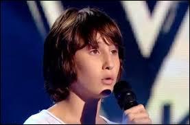 """Nemo Schiffman, 13 ans, est entré pour chanter """"Calling You"""" de Jevetta Steele. Avec quel coach a-t-il souhaité poursuivre la compétition ?"""