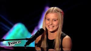 """Maylane, 12 ans, a chanté """"Poker Face"""" de Lady Gaga. Elle est allée avec :"""