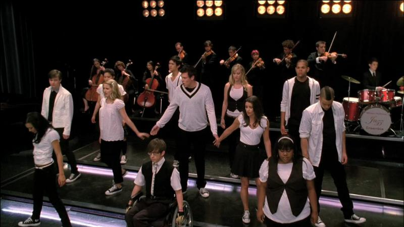"""Pour qui le Glee Club chante-t-il : """"Keep Holding On"""" ?"""