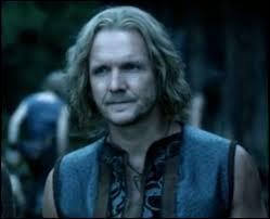 Mikael Mikaelson est le père de ...