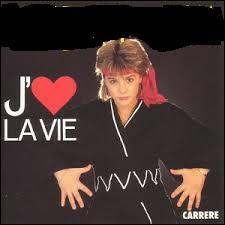 """Elle a aujourd'hui 42 ans. À 13 ans et demi, le 3 mai 1986, elle emporta le concours Eurovision de la chanson en Norvège en interprétant """"J'aime la vie."""" Elle s'appelle :"""