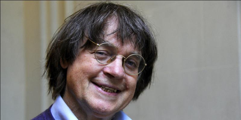 """C'était un dessinateur de """"Charlie Hebdo"""", assassiné dans un attentat. Comment s'appelait-il ?"""