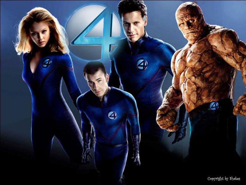 L'équipe des 4 Fantastiques est constituée de M.Fantastique, la Femme Invisible(ou Susan Storm), la Torche Humaine et...