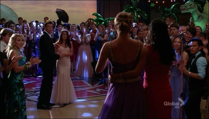 Quel est le thème du bal de promo choisi par le délégué ?) ?