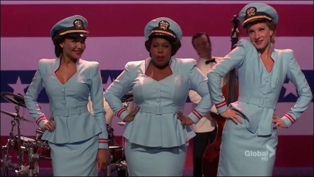 Comment s'appelle la nouvelle chorale de Shelby là où il y a Mercedes Santana et Brittany ?