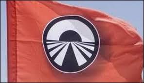 Dans quelle émission présentée par Stéphan Rotenberg peut-on voir ce drapeau ?