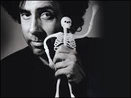 A l'instar de Johnny Depp en tant qu'acteur, quel compositeur est récurant chez Tim Burton ?