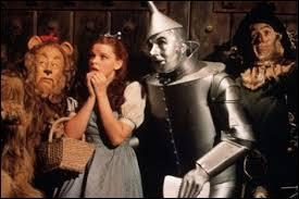 """D'après la légende urbaine, avec quel album de rock le film """"Le Magicien d'Oz"""" est-il sensé être parfaitement synchronisé ?"""