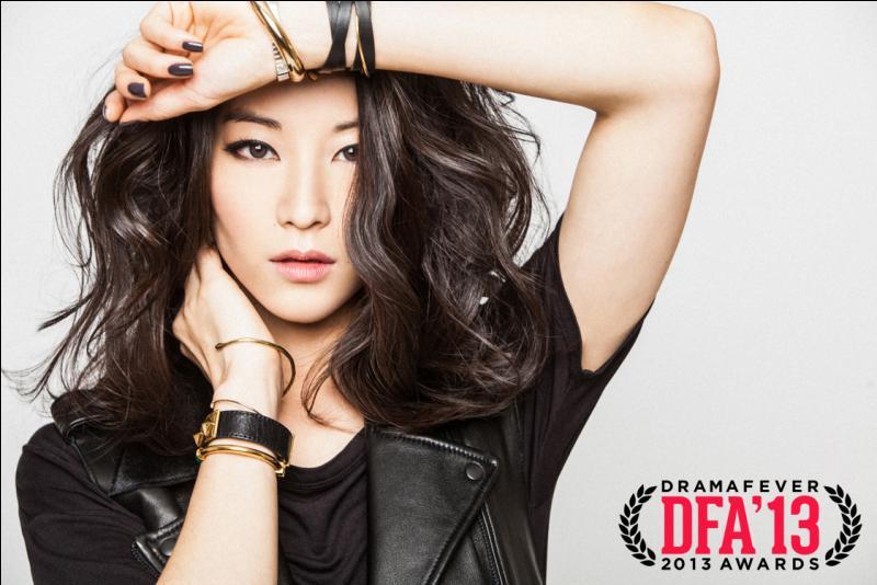 Quelle actrice joue le rôle de Kira ?