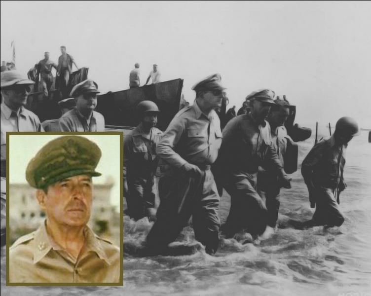 En Octobre, le général Mac Arthur et ses troupes commencent face aux japonais, au large des Philippines, dans le but d'un débarquement, la plus grande bataille navale de l'histoire...