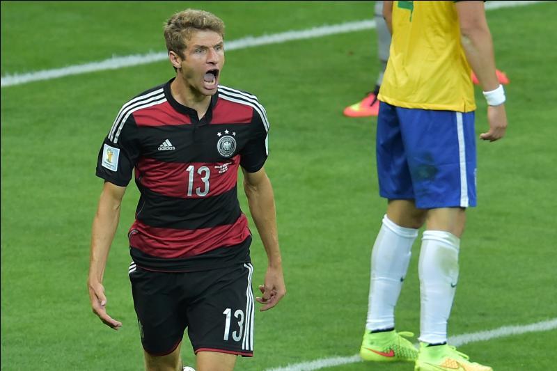 Contre quelle équipe a-t-il inscrit son premier but avec l'Allemagne ?